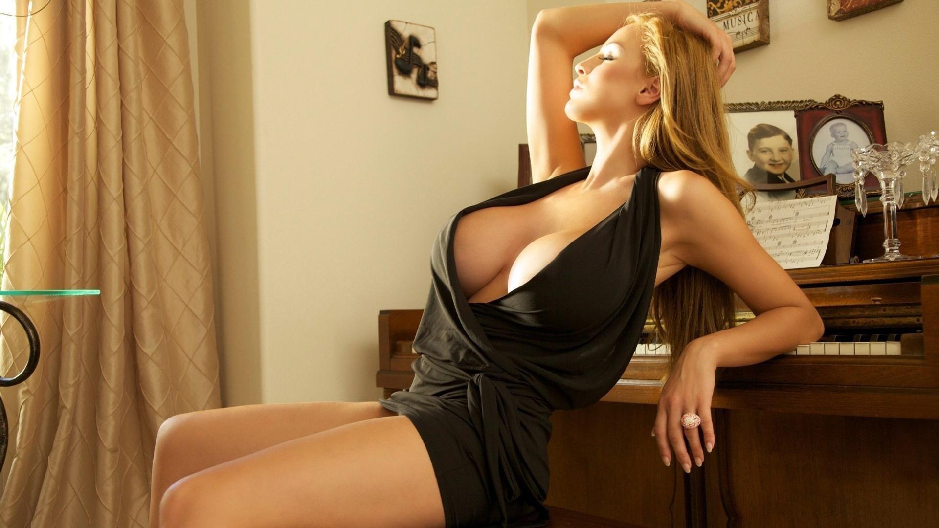 Фото девушек скрасивой грудью 19 фотография